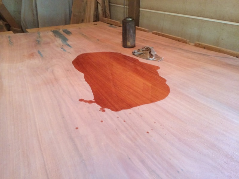 oiling dining table top