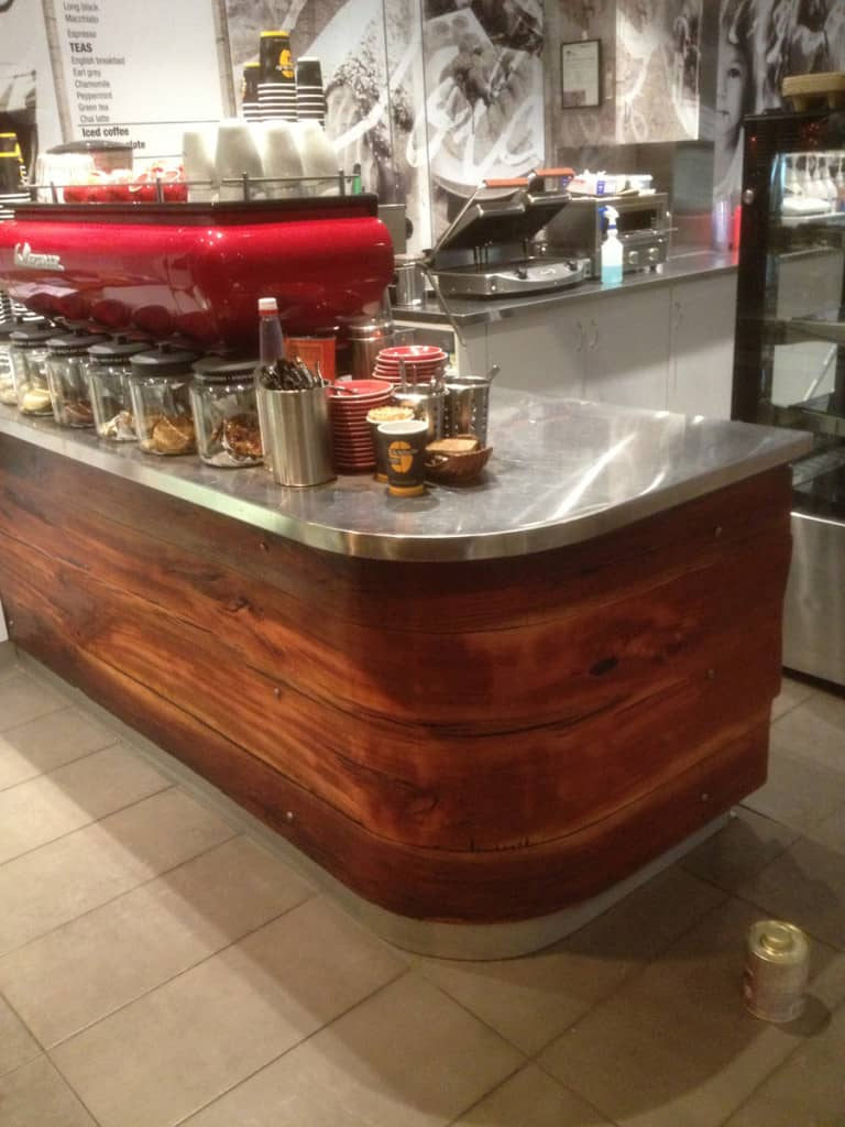 Cafe curved counter