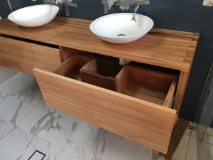 Twin bowl vanity unit