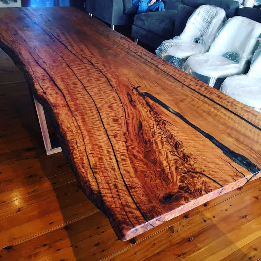 Live-edge-dining-table15